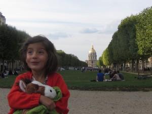 Acercandonos a la torre con Lola en brazos