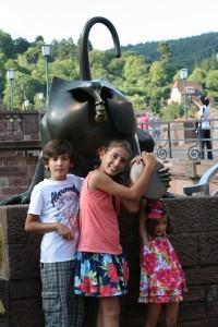 Tocando al Brückenaffe...para que seguro regresemos Heidelberg!