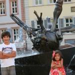 Ya hartos en la Fuente Sebastian Münster